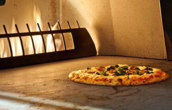 V Pizzeria et bar à vin